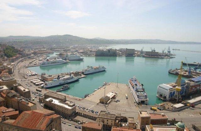 Coronavirus, l'Albania sospende i traghetti da Ancona per Durazzo