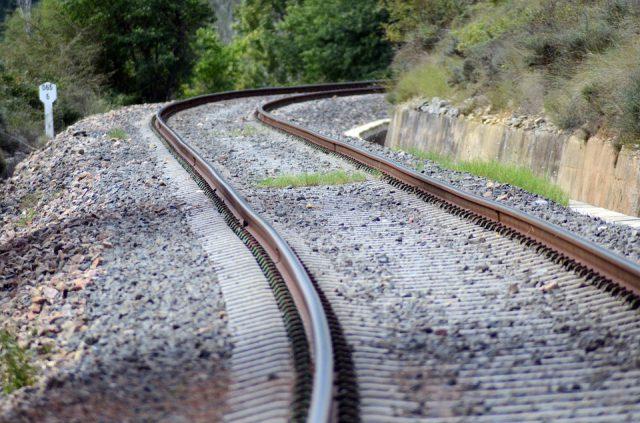 Gradara, muore 26enne travolto dal treno in corsa