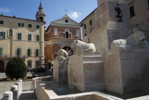 Jesi, il progettista di piazza del Duomo: «Non spostate la fontana»