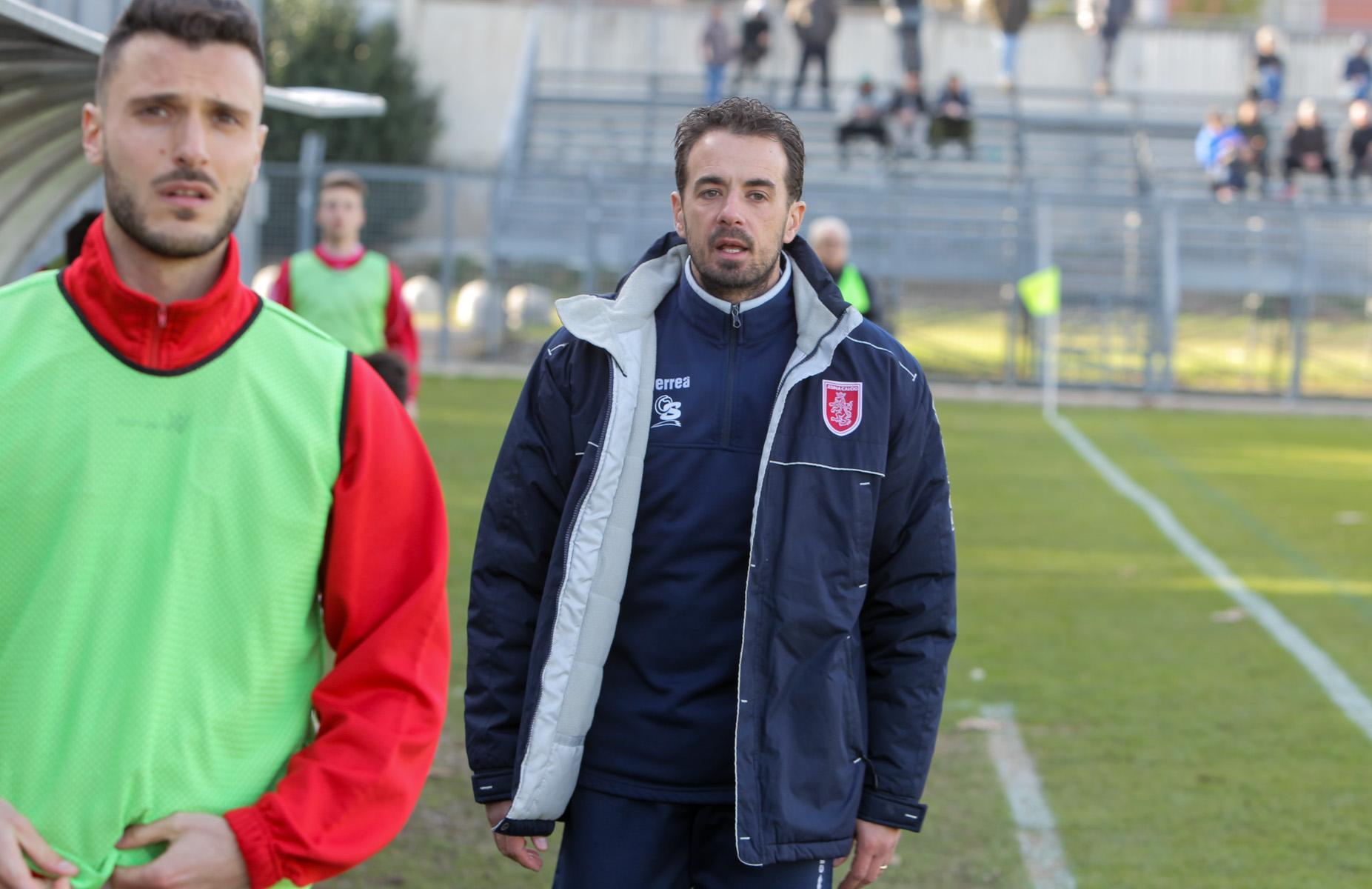 http://www.centropagina.it/wp-content/uploads/2017/02/Pag-Jesina-Sammaurese-Bugari-allenatore-della-Jesina-.jpg