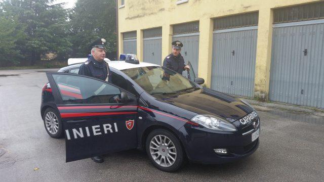 Fabriano, liti in condominio: intervengono i carabinieri e scattano le denunce