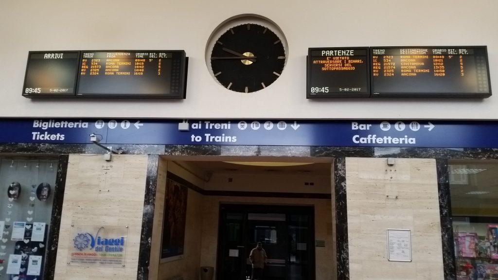 Atrio della stazione ferroviaria di Fabriano
