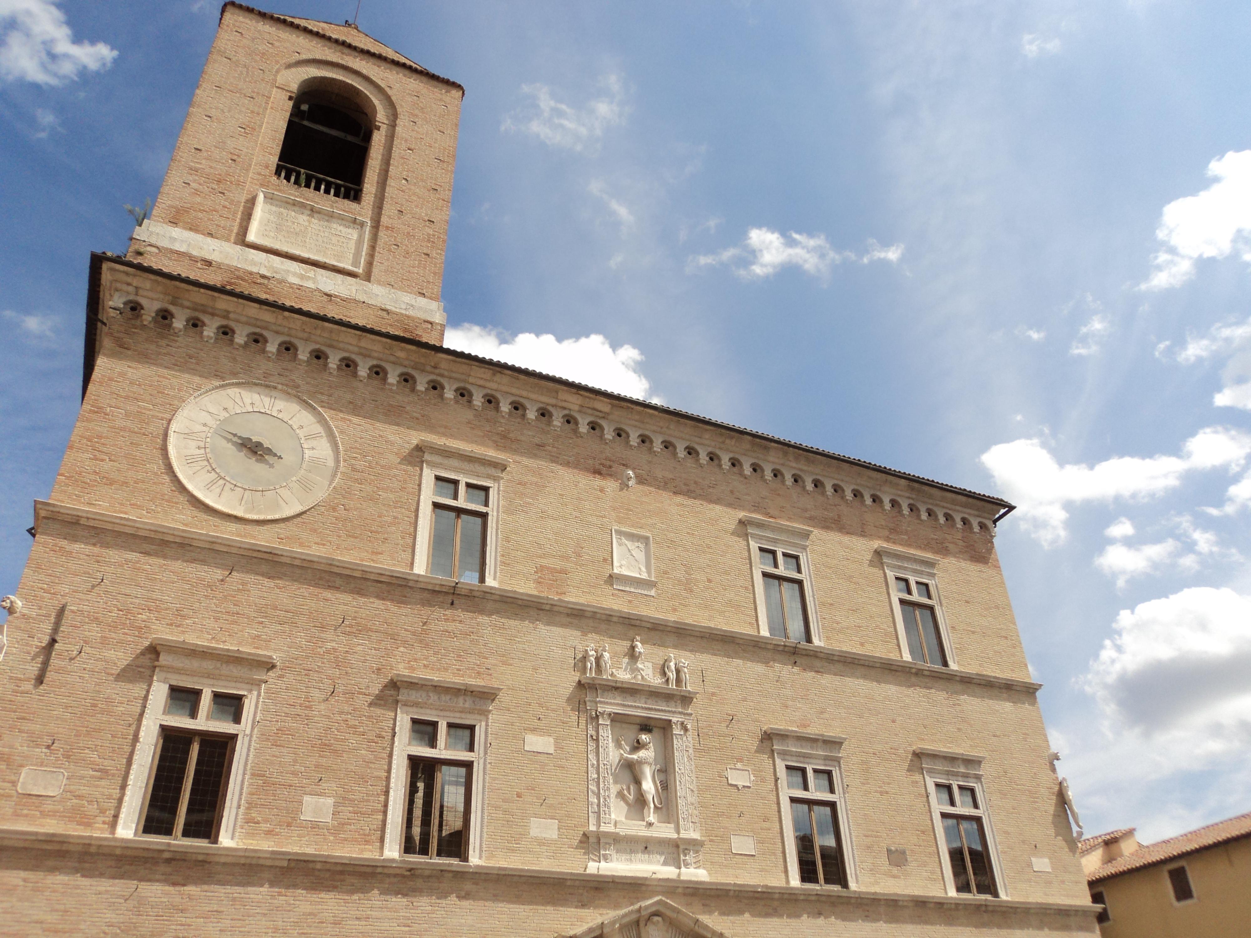 Giornate Fai di primavera a Jesi: sold-out per la Farmacia Fatebenefratelli e Palazzo della Signoria