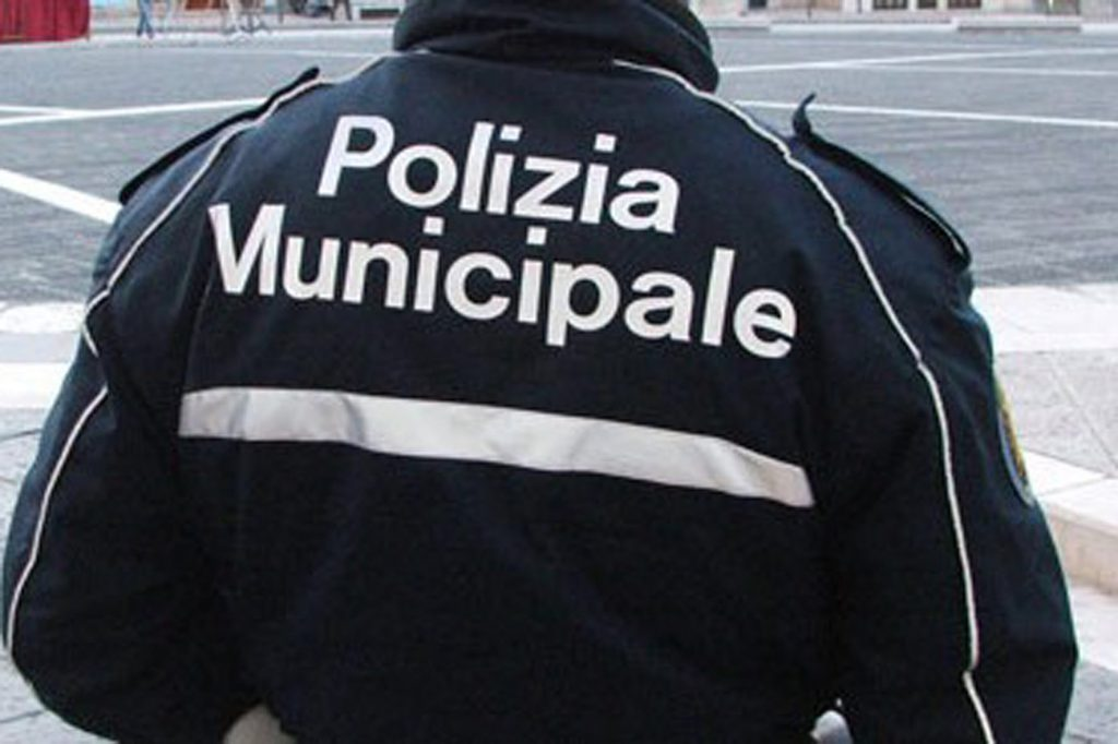 La viabilità tra la frazione di Villa Musone e Loreto, al centro della mozione dei consiglieri comunali Castellani e Castagnani che chiedono di intensificare i controlli