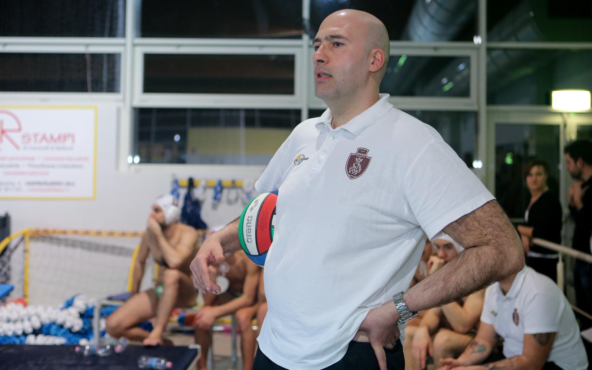 http://www.centropagina.it/wp-content/uploads/2017/03/Jesina-Pallanuoto-Pesaro-Giacomo-Iaricci-allenatore-Jesi-2.jpg