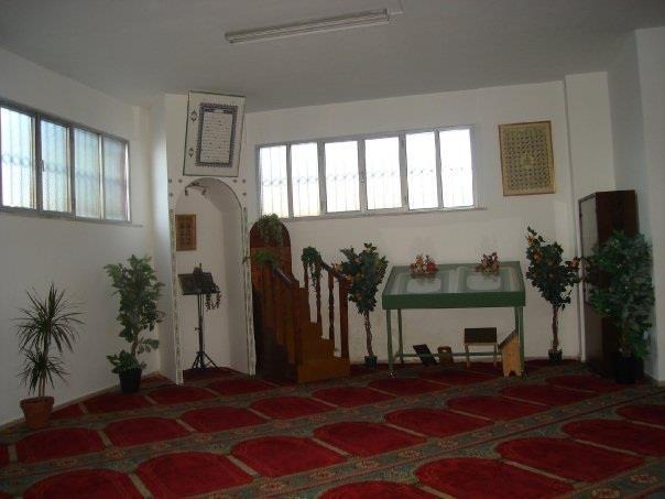 Un'unica, grande, moschea alla Palombella
