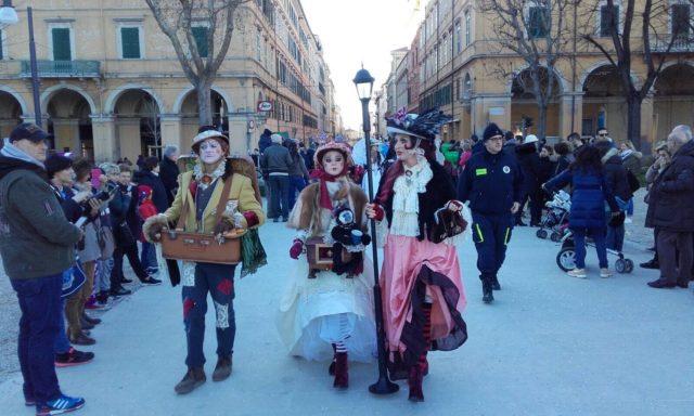 Tutti gli eventi ad Ancona: sfilata di Carnevale, mostre gratuite, auto d'epoca guidate dalle donne