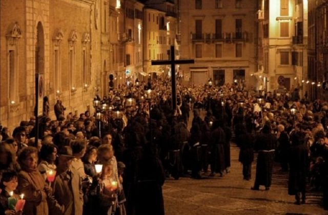 Osimo, tutti gli eventi sacri della Pasqua in diretta. Salta la processione