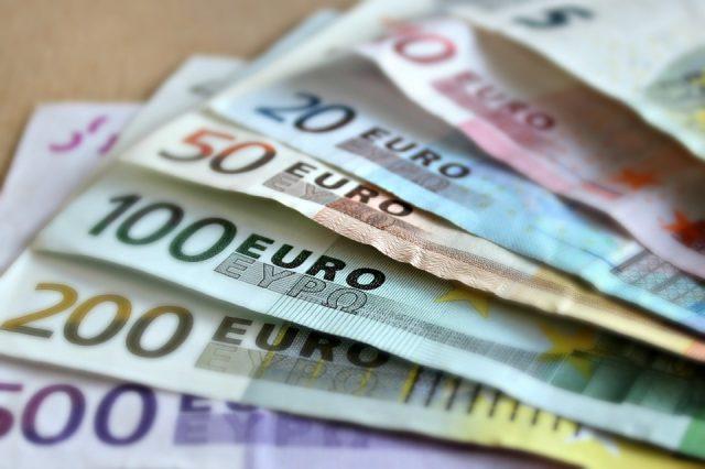 «Cinquecento euro per testimoniare». Ex vicina di casa condannata a due anni
