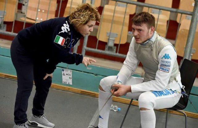 Una immagine di Francesco Ingargiola con la sua maestra al Club Scherma Jesi, Maria Elena Proietti