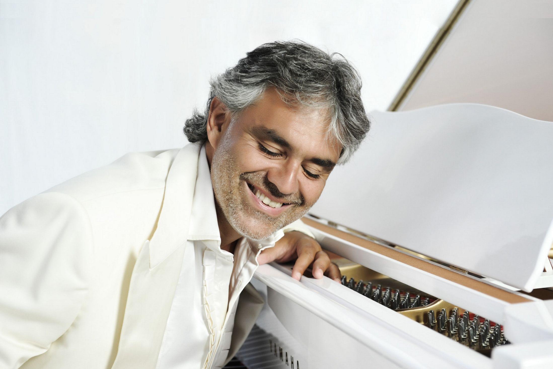 """Loreto, il tenore Andrea Bocelli in città per """"l'Ave Maria"""""""