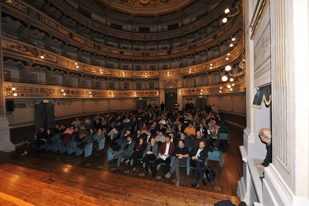 "La platea del teatro ""La nuova Fenice"""