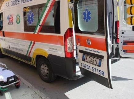 Messina, bimbo rischia di annegare: salvato da paramedici liberi da servizio