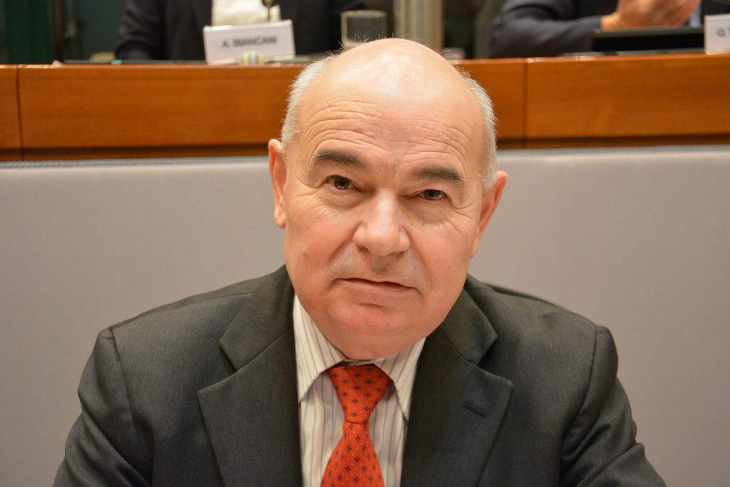 Il consigliere regionale Enzo Giancarli
