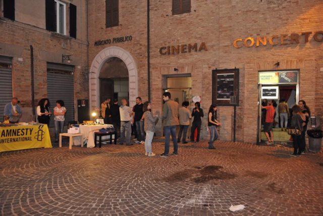 Festa in autogestione all'ex cinema Concerto organizzata dal comitato che ne richiede l'apertura