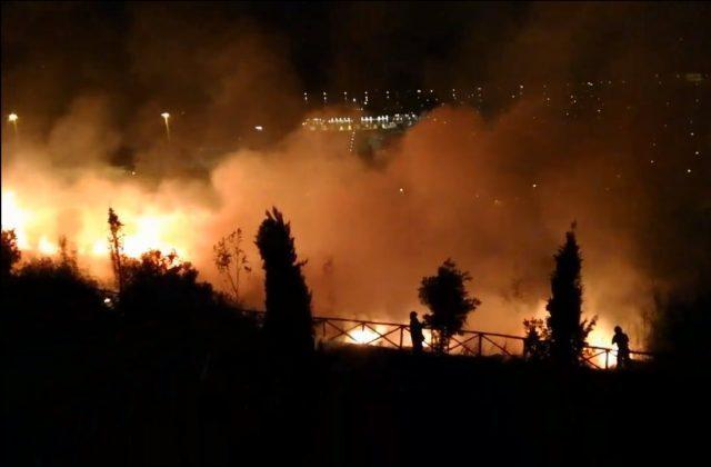 Incendio al parco di Posatora: chiuse le indagini, in tre rischiano il processo