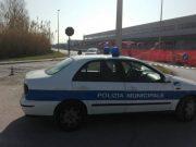 La municipale alla chiusura di Via dell'Industria a Osimo per impraticabilità