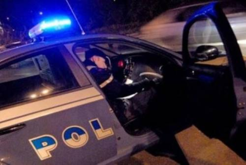 Ancona, Volanti sventano rapina a Vallemiano