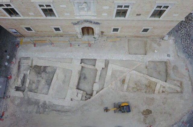 Jesi, Andrea Pieralisi su piazza Colocci: «Scavi effettuati solo per togliere parcheggi»