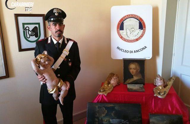 Ancona: casa in vendita su internet, i carabinieri intercettano reperti storici dalle foto