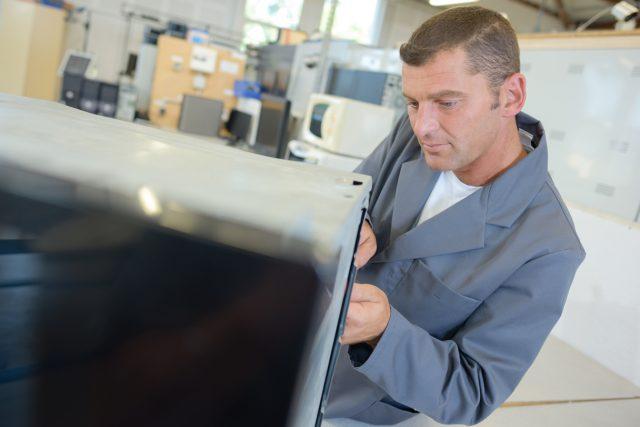 Gli industriali della Vallesina si incontrano (online). Temi caldi: scuola, economia circolare e banda ultralarga
