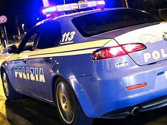 Volante in servizio notturno (Foto: Polizia di Stato)