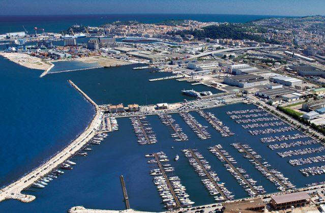 Ancona, tragedia in mare: recuperato il cadavere di un 60enne