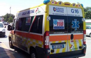 L'ambulanza della Croce Gialla