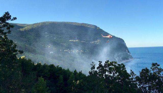 Incendi boschivi, l'assessore Sciapichetti risponde al Presidente del Parco del Conero