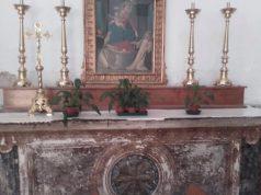 'altare della chiesa di San Pietro Martire preso di mira dai vandali