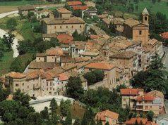 Una veduta del paese di Barbara, comune dell'entroterra senigalliese