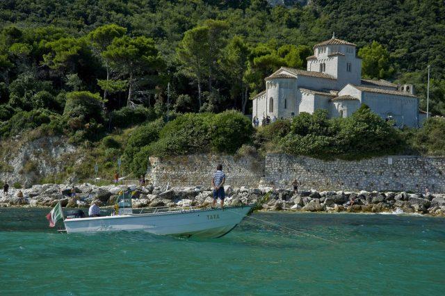Ferragosto a Portonovo per la Festa del Mare: processione, Santa Messa e corteo delle barche