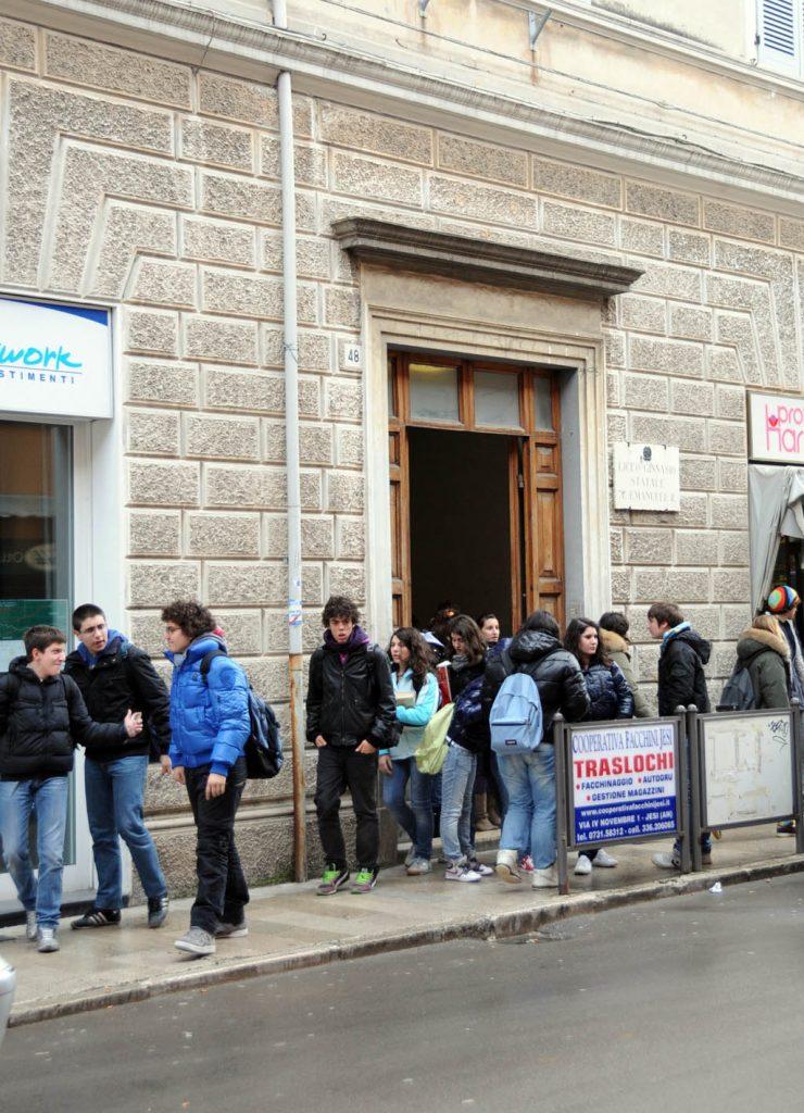 """Liceo Classico """"Vittorio Emanuele II"""" di Jesi"""