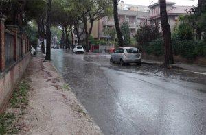 Pioggia e maltempo a Senigallia: allagamenti in via Garibaldi