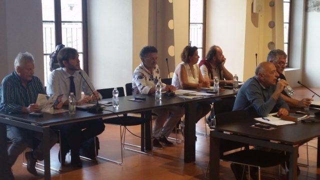 Fabriano: scuola media Marco Polo, le opposizioni chiedono un Consiglio ad hoc