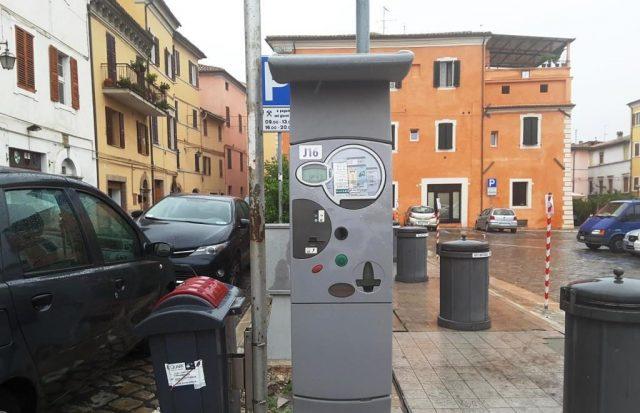 Via Sauro e piazza Baccio Pontelli a Jesi: arrivano i parcheggi per i residenti