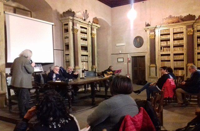 L'ultimo incontro della rassegna Le Marche in Biblioteca con Pierfrancesco Curzi