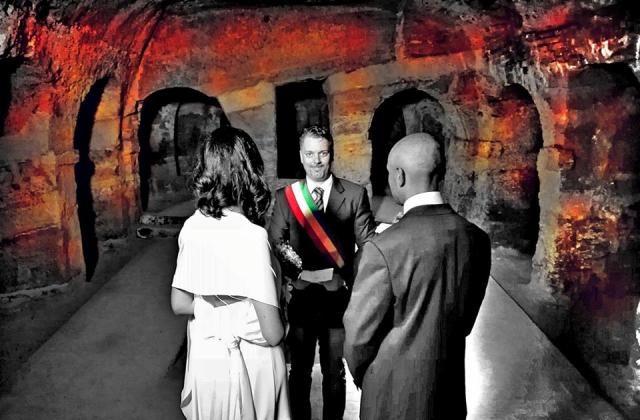 Matrimonio nella grotte di Camerano (Fotomontaggio dell'assessore Costantino Renato)
