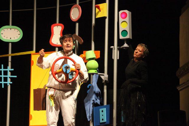 Andar per fiabe storie fantastiche nei teatri della - Sogno casa fabriano ...