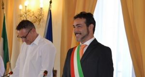 Il sindaco di Castelfidardo Roberto Ascani accanto al presidente del Consiglio Comunale Damiano Ragnini