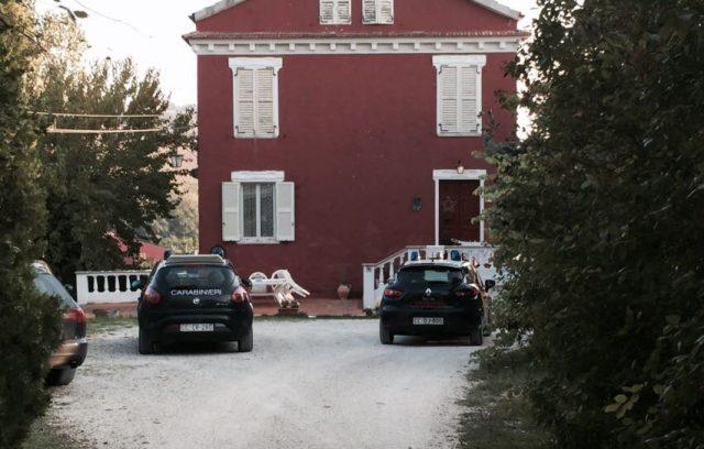 I carabinieri sul posto a Falconara