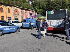 I controlli della polizia di Osimo al maxiparcheggio