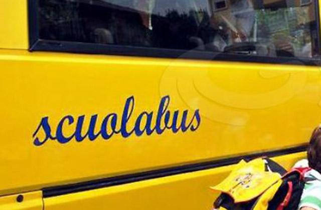 Covid e scuola, l'assessore alla Sanità marchigiana Saltamartini: «Valutare di usare i bus turistici»