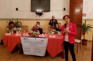 """Un momento del convegno """"Un dubbio al seno"""". Al microfono Daniela Ronchi, presidente Andos Ancona"""