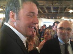 Matteo Renzi con l'onorevole Piergiorgio Carrescia