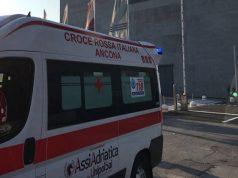 La croce rossa ai cantieri del porto di Ancona
