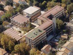 Il liceo scientifico Enrico Medi di Senigallia ripreso dall'alto