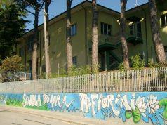 """La scuola primaria """"A.Fiorini"""" in via delle Mura, a Barbara"""