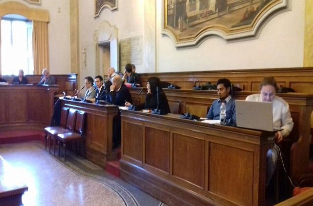 L'opposizione del consiglio comunale di Jesi assieme al consigliere straniero aggiunto