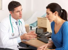 Medico a colloquio con paziente